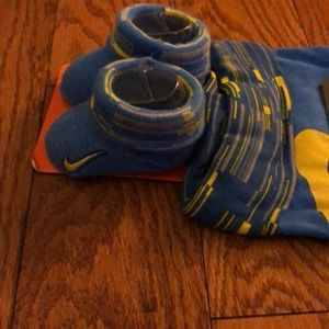 Nike Accessories - NWT Nike Baby Beanie & Booties